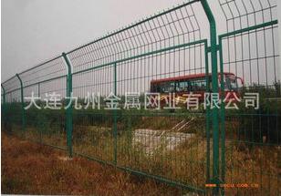 框架式彩鋼高速護欄擋板